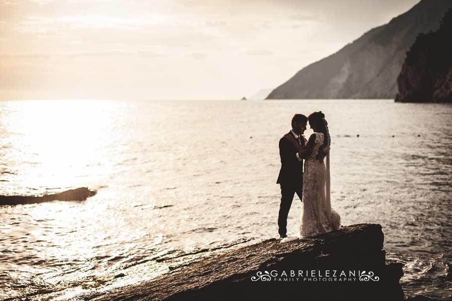 foto matrimonio portovenere gabriele zani sposi mare tramonto