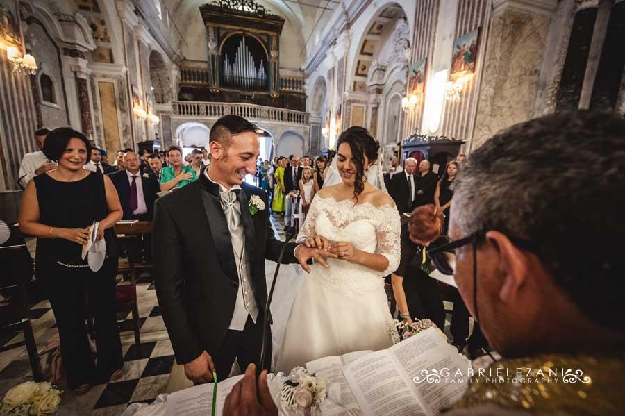 foto matrimonio lunigiana gabriele zani scambio anelli
