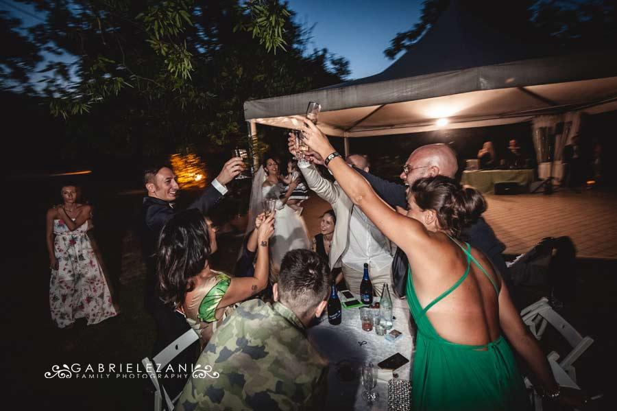 foto matrimonio lunigiana gabriele zani festa brindisi