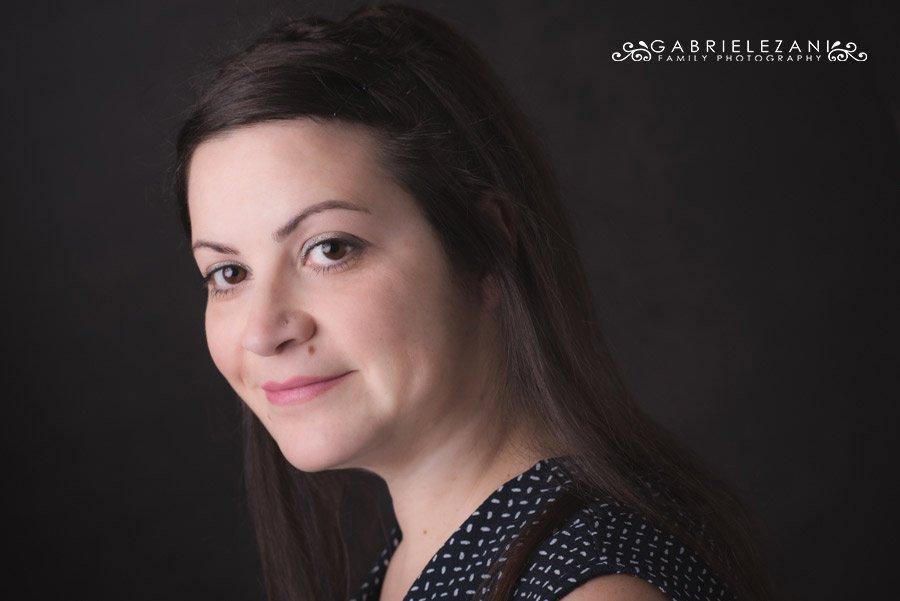 fotografo ritratti donna sorriso sereno