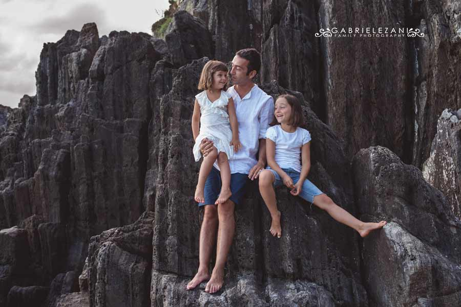 fotografo famiglia cinque terre padre e figlie