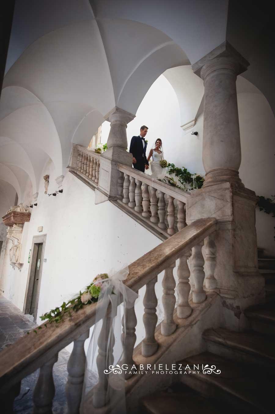 fotografo matrimonio italia-australia sposi che escono