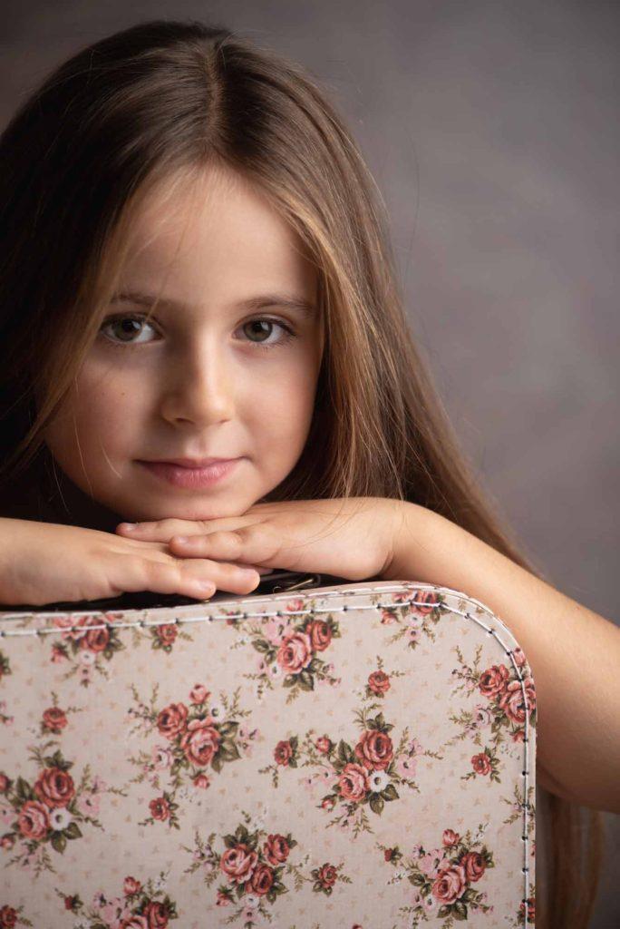 fotografo bambini e famiglie la spezia ritratto femminile con capelli sciolti