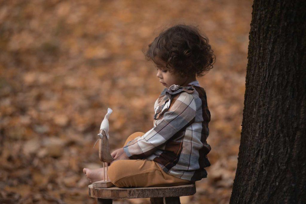 fotografo bambini e famiglie la spezia al parco in autunno